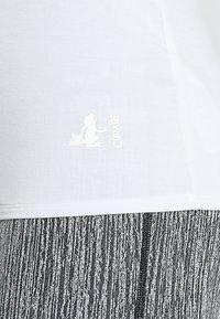 Curare Yogawear - TANK BOAT NECK - Topper - white - 3