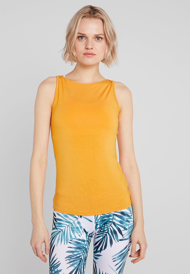Curare Yogawear - TANK BOAT NECK - Top - aprikose