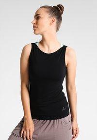 Curare Yogawear - TANK BOAT NECK - Linne - black - 0