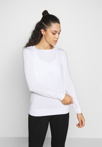Curare Yogawear - Long sleeved top - white - 0