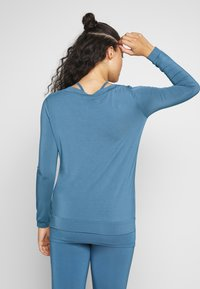 Curare Yogawear - Topper langermet - horizon blue - 2