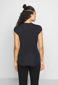Curare Yogawear - T-shirt basic - midnight blue - 2
