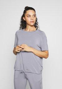 Curare Yogawear - DRAWSTRING WIDE  - Topper - pearl grey - 0