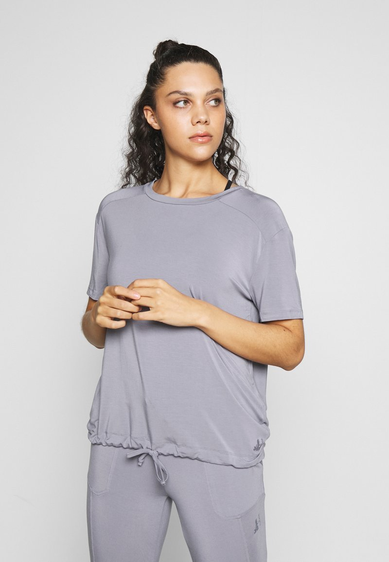 Curare Yogawear - DRAWSTRING WIDE  - Topper - pearl grey