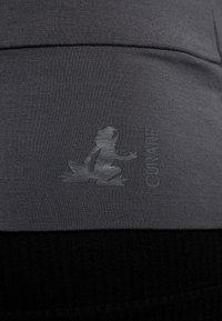 Curare Yogawear - NEW V NECK  - Longsleeve - anthracite grey - 5