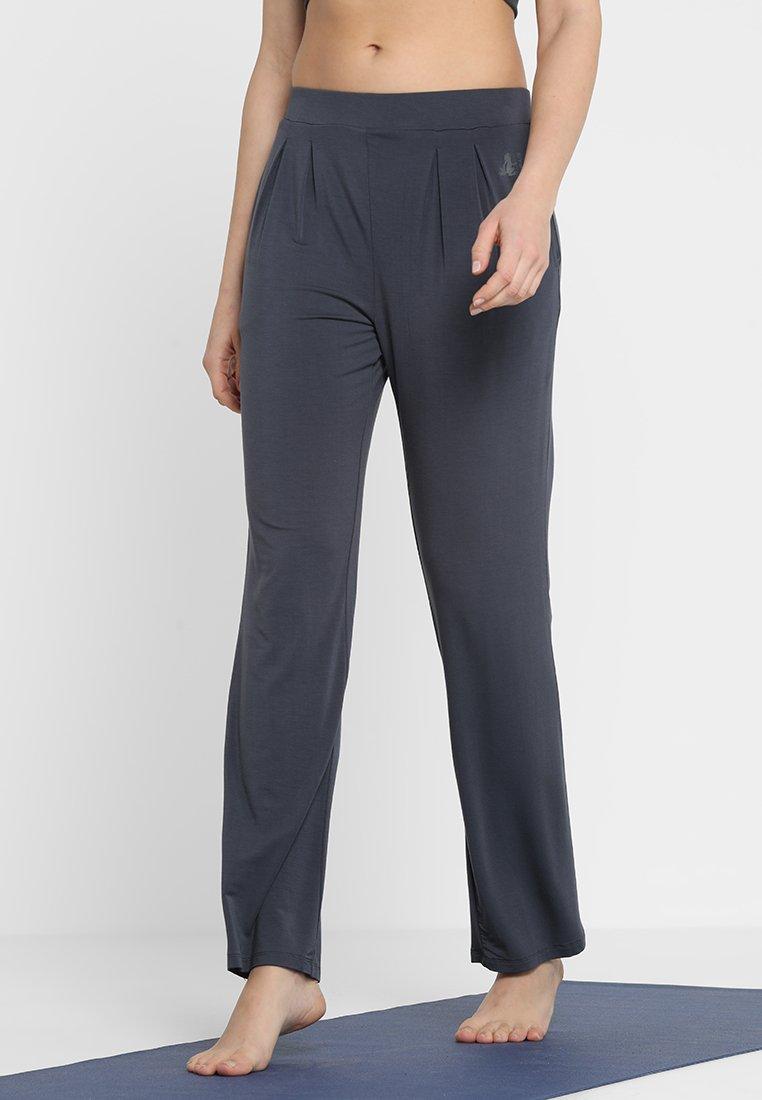 Curare Yogawear - WIDE PANTS - Jogginghose - tafelgrau