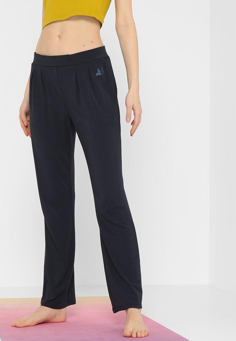 Curare Yogawear - WIDE PANTS - Træningsbukser - midnight blue