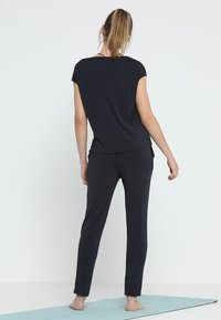 Curare Yogawear - ONEPIECE  - Trainingsanzug - midnight blue - 2
