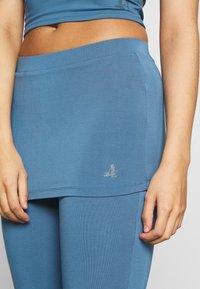 Curare Yogawear - PANTS SKIRT - Joggebukse - horizon blue - 4