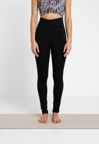 Curare Yogawear - LEGGINGS - Leggings - black - 0