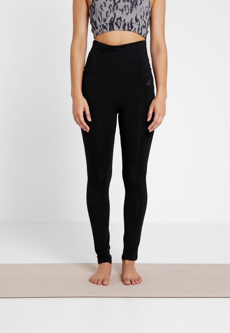 Curare Yogawear - LEGGINGS - Trikoot - black