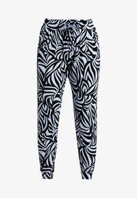 Curare Yogawear - PANTS LONG LOOSE - Pantalon de survêtement - blue - 3