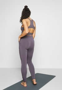 Curare Yogawear - LONG PANTS - Tights - greyberry - 2
