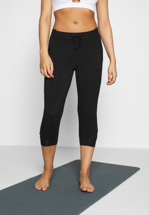 PANTS - 3/4 sports trousers - black