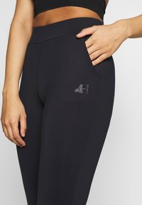 Curare Yogawear - LONG PANTS POCKETS - Leggings - midnight blue - 4