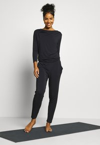 Curare Yogawear - JUMPSUIT WATERFALL - Tracksuit - midnight blue - 0