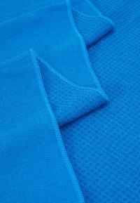 Curare Yogawear - YOGATOWEL ANTI SLIP DOTS - Fitness/jóga - blue - 2