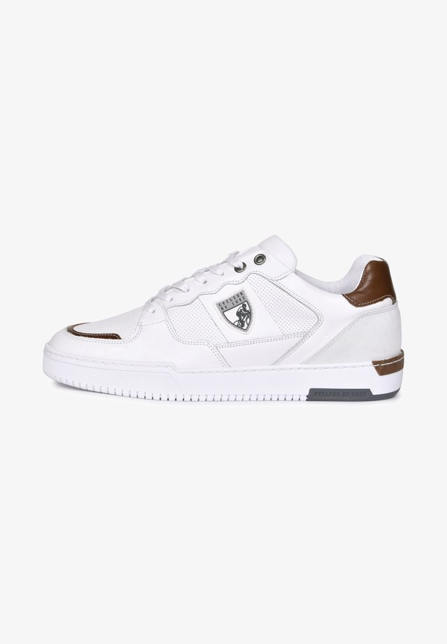 Trainers - white/cognac