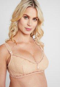Cache Coeur - IRIS WIRE-FREE BREASTFEEDING - Podprsenka skosticemi - nude - 3