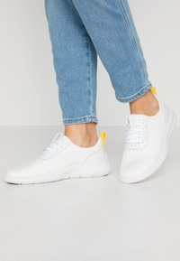 Cole Haan - GENERATION ZEROGRAND STITCHLITE - Sneakers - optic white - 0