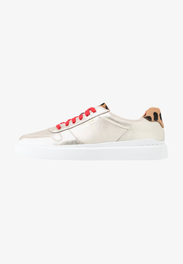 GRANDPRO RALLY COURT  - Trainers - light gold/flame scarlet/optic white