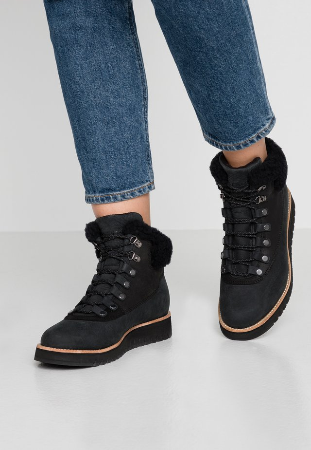ZEROGRAND - Vinterstøvler - black