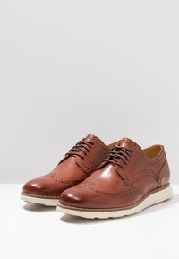 Cole Haan - ORIGINAL GRAND WINGTIP OXFORD - Casual lace-ups - woodbury/ivory - 2