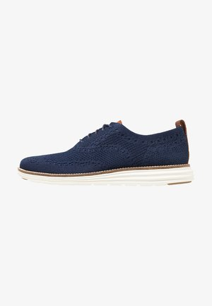 ORIGINALGRAND STITCHLITE WINGTIP OXFORD - Casual lace-ups - navy/ivory