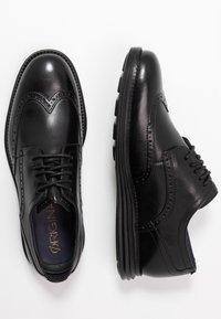 Cole Haan - ORIGINAL GRAND WINGTIP OXFORD - Business sko - black - 1