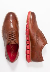 Cole Haan - ZEROGRAND WINGTIP OXFORD - Lace-ups - woodbury/tango red - 1