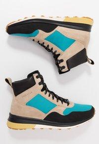 Cole Haan - GRANDPRO HIKER WR - Baskets montantes - sesame beige/blue green - 1