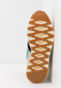 Cole Haan - GRANDPRO HIKER WR - Baskets montantes - sesame beige/blue green - 4