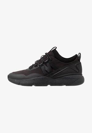 WATERPROOF ZEROGRAND TRAIL SNEAKER  - Sneakers basse - black/ivory