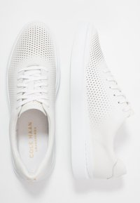 Cole Haan - GRANDPRO RALLY LASER CUT  - Sneakers basse - white - 1