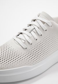 Cole Haan - GRANDPRO RALLY LASER CUT  - Sneakers basse - white - 5