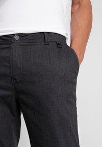 CHASIN' - TRIGGER - Kalhoty - dark grey - 3