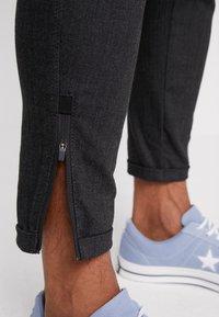 CHASIN' - TRIGGER - Kalhoty - dark grey - 5