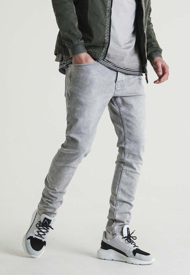 EGO LYNCH - Slim fit jeans - grey