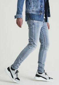 CHASIN' - EGO ROGER 2.0 - Slim fit jeans - blue - 2