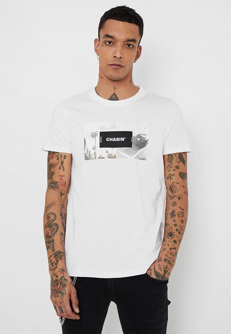 CHASIN' - LANDSDOWN - T-shirt imprimé - white