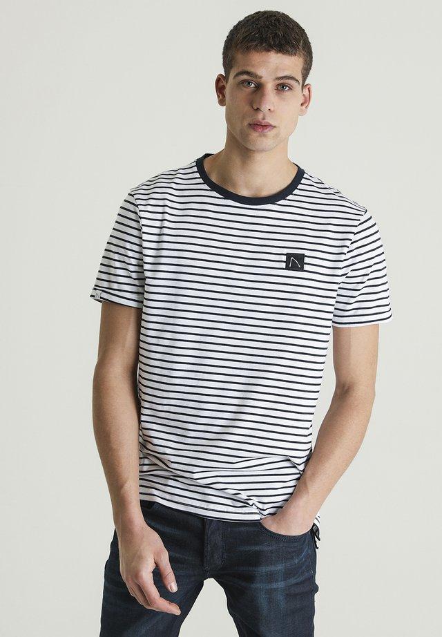 SHORE - T-shirt print - white