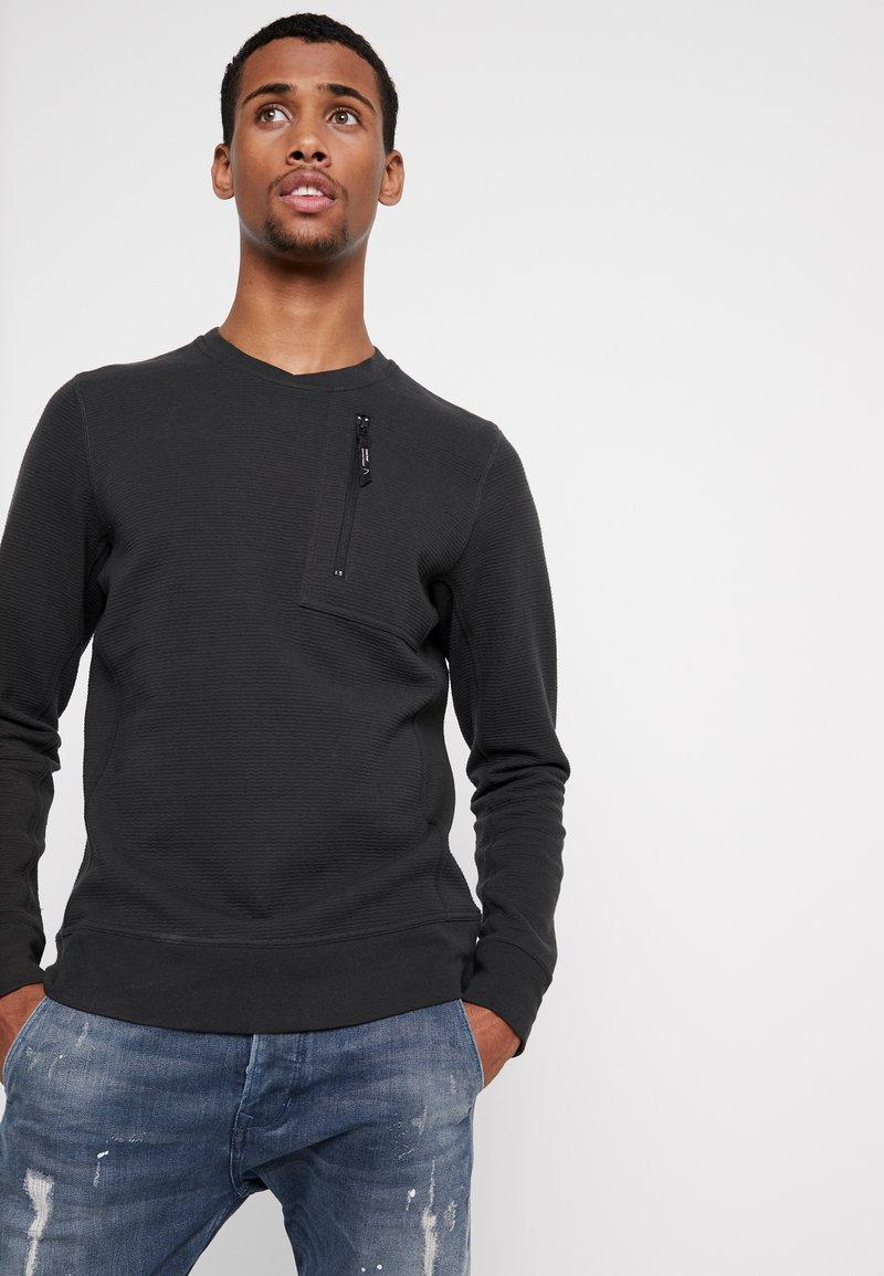 Chasin' - BULLET - Sweatshirt - dark green