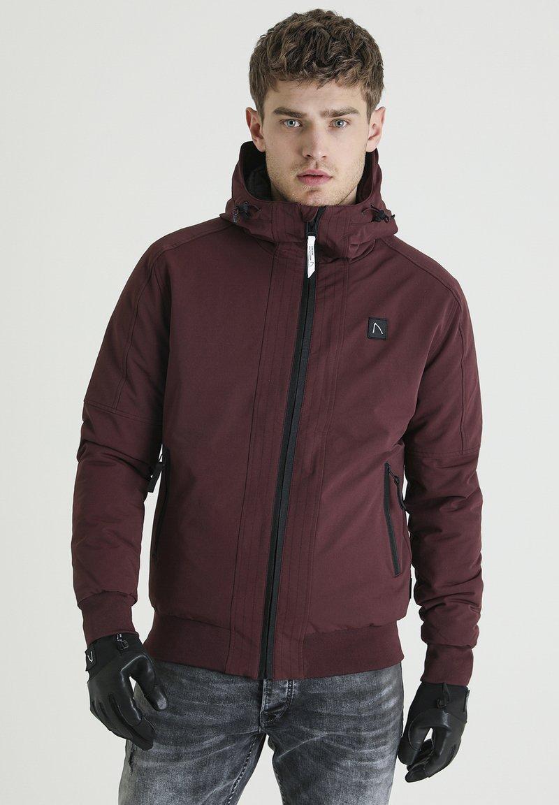 CHASIN' - RETURN HYBRID - Outdoor jacket - red