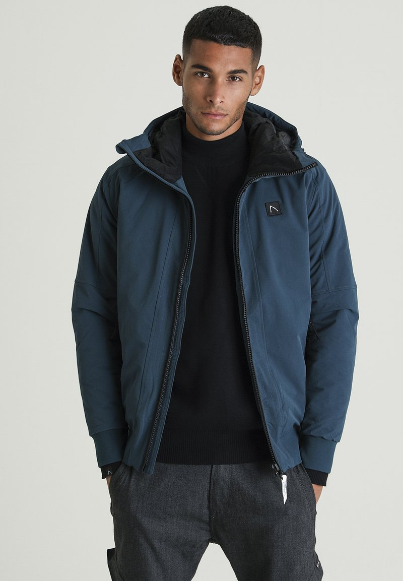 CHASIN' - RETURN HYBRID - Outdoor jacket - blue