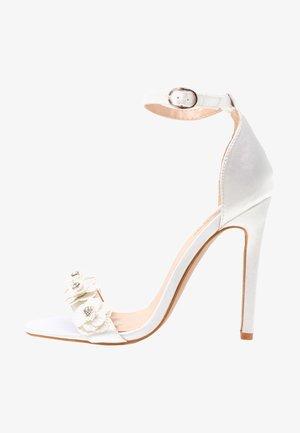 BONITA - Højhælede sandaletter / Højhælede sandaler - ivory