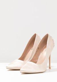 Chi Chi London - RAE - Zapatos altos - offwhite - 4