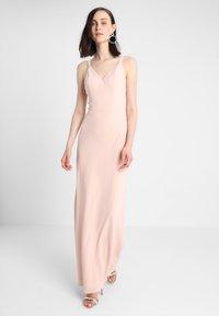 Chi Chi London - ELISABETH - Iltapuku - pink - 0