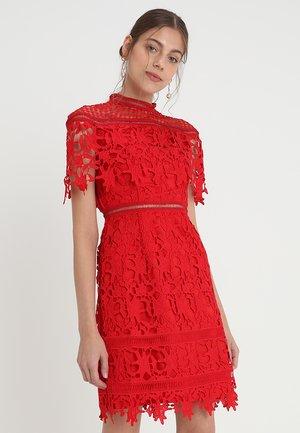 MHAIRI - Robe de soirée - red