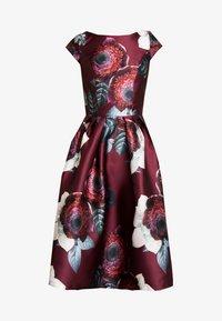 Chi Chi London - KARYA DRESS - Sukienka koktajlowa - burgundy - 6