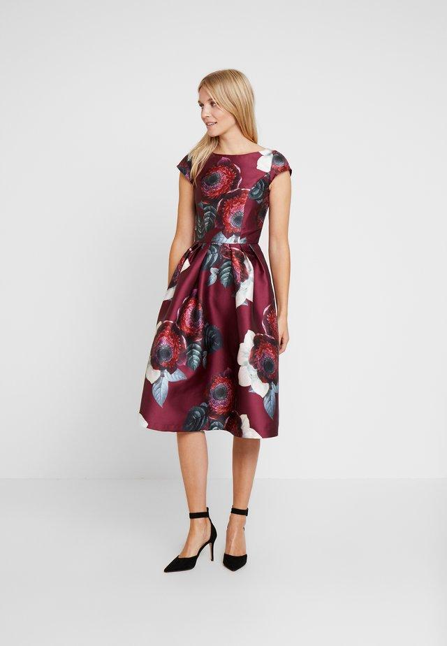KARYA DRESS - Cocktail dress / Party dress - burgundy